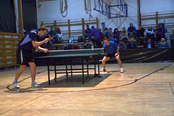 Bratské finále. V minulom roku si vo finále zmerali sily bratia Šeredovci, Peter a Tomáš.
