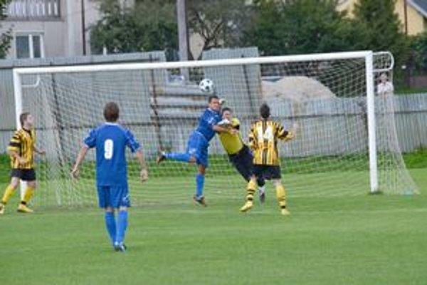 Hoci sa hostia nedostávali často do šancí, konto domáceho brankára Breuera zaťažili troma gólmi.