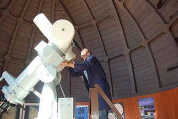 Prechod Venuše popred Slnko. Približne o 105 a pol roka bude tento jav opäť pozorovateľný.