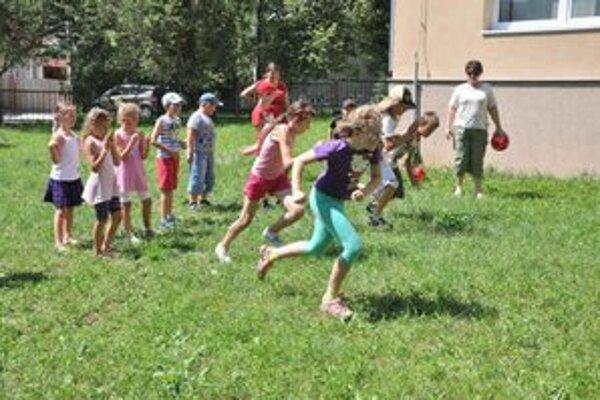 Mini olympijské hry. Počas športového popoludnia si zasúťažili v rôznych športových disciplínach.
