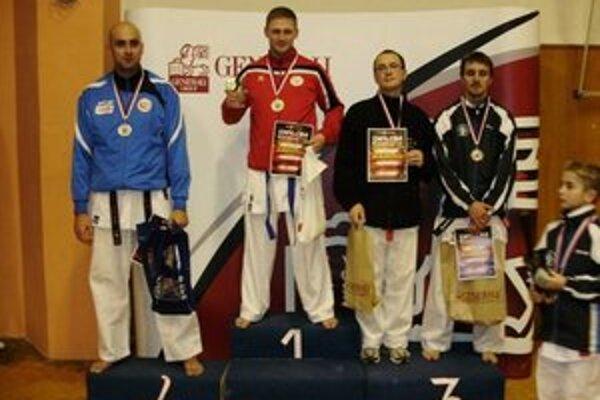 Úspešný mesiac. Peter Paulíny získal cenné bronzové medaily.