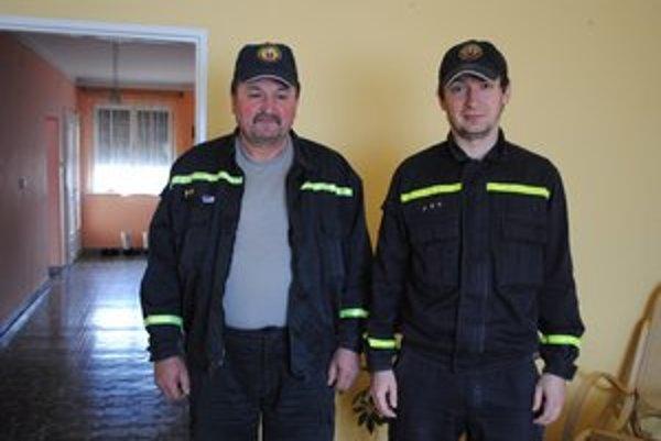 Otec a syn. Rozhodli sa pre povolanie hasiča.
