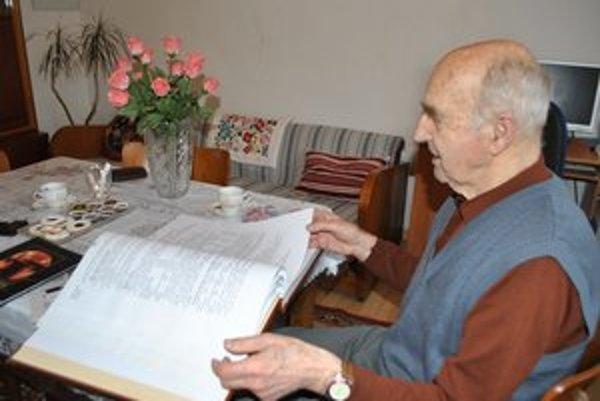 Kronikárske dielo. A. Maduda začal písať kroniku v roku 1982. Skončil vlani.