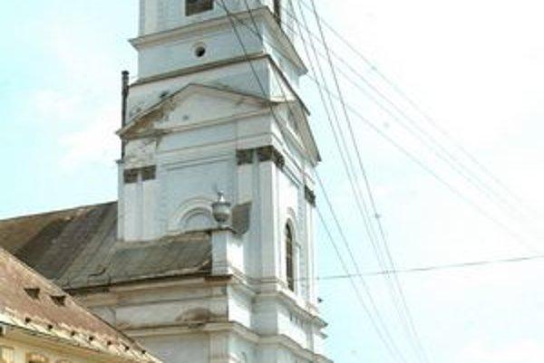 Evanjelický kostol v Jelšave. Skrýval cenné listiny.