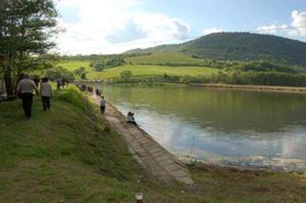 Hrušovské rybníky. V máji budú centrom otvorenia letnej turistickej sezóny.
