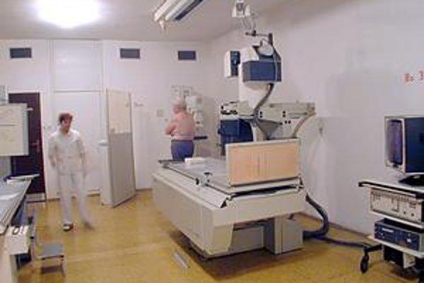 Prístrojové vybavenie. Podľa riaditeľky je najdôležitejšia jeho obnova, na čo bude musieť nájsť nemocnica peniaze po menších sumách.
