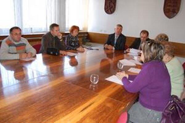 Poslanci sa zišli neplánovane, kvôli jednobodovému programu.