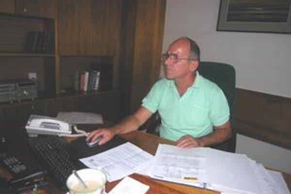 Prokurista. Štefan Grígeľ upozorňuje, že vodiči majú na zakúpenie novej karty dosť času.