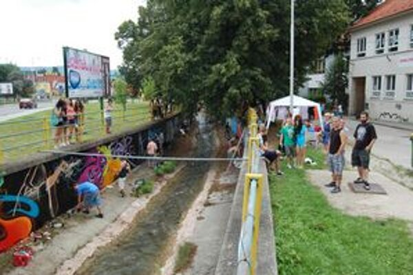 Verejná galéria. Grafity v Rožňave tvorilo viac ako 40 mladých ľudí.