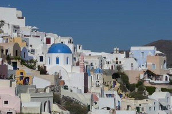 Z agentúry, ktorá má propagovať Grécko v zahraničía prilákať do krajiny turistov, unikli cez pochybné transakcie milióny eur.