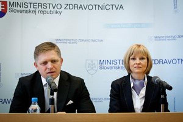 Ministerka zdravotníctva a predseda vlády.