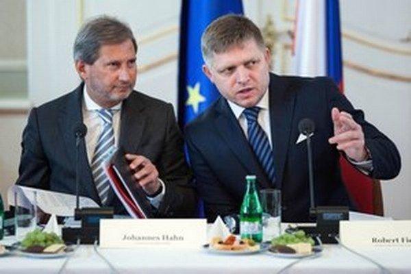 Pozičný list s návrhom zmien, ktoré by Európska komisia podporila, priniesol včerado Bratislavy eurokomisár pre regionálny rozvoj Johannes Hahn.