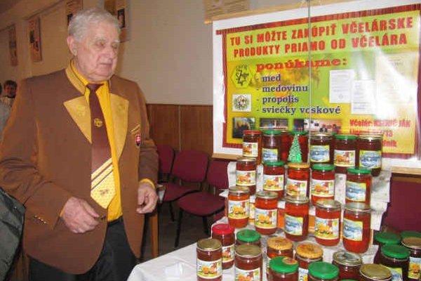Med. Prezentovali sa ním aj domáci včelári.