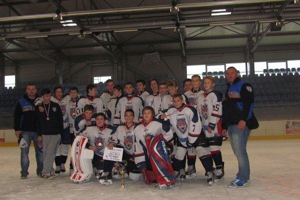 Mladí hokejisti Bardejova. Dohrali s medailami.