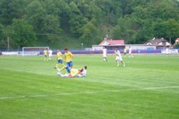 Partizán Bardejov vyhral nad juniormi Tatrana Prešov 4:1.