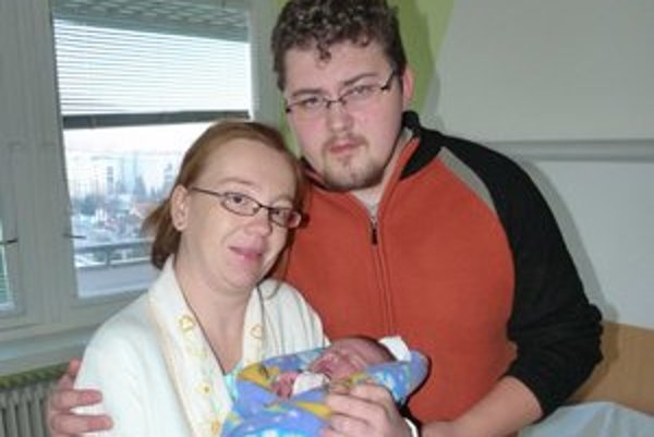 Matej Čabala. Šťastní rodičia Martina a Jaroslav sú zo svojho novoročného chlapčeka unesení.