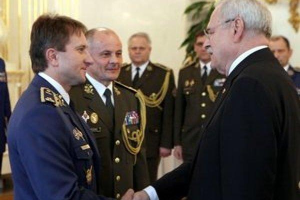 Miroslav Korba. Prezident SR ho povýšil do prvej generálskej hodnosti.