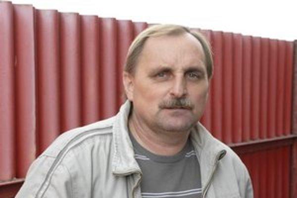 Tréner. Pavel Piršč dúfa, že na jar sa Svidník vyhupne vyššie.