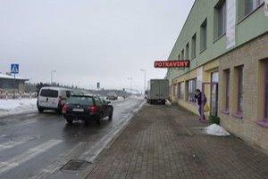 Poľské obchody. Po prevalení sa škandálov ohľadom obsahu potravinových výrobkov majú poľskí obchodníci menej zákazníkov.
