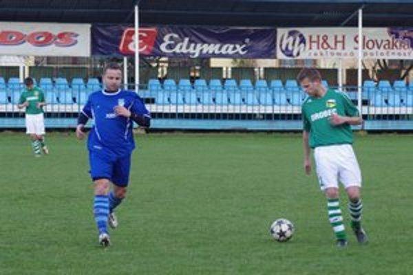 Do zápasu naskočil aj tréner domácich Jozef Šott.
