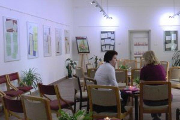 Výstava ľúbostných listov. Na výzvu osvetového strediska zareagovali stovky ľudí, ktorí ochotne zverejnili svoje spomienky na minulé i súčasné lásky.
