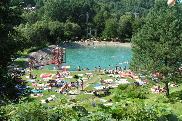 Kúpalisko Makovica. V letnom areáli v Nižnej Polianke sa dá aj potichu relaxovať.