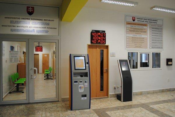 Klientske centrum na prízemí. Slúži od 8. februára.