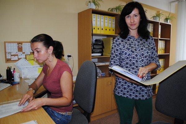 V agentúre. Personálna konzultantka Katarína Hančárová hovorí o poklese záujmu študentov o brigády.