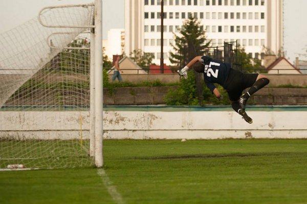 Miloš Lojka. Aj v tomto prípade zabránil gólu.
