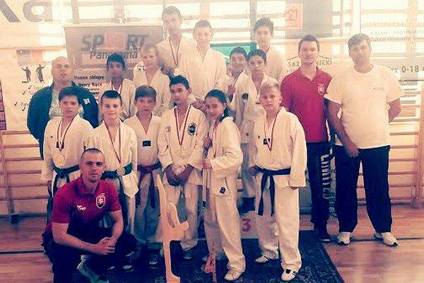 Klub Taekwondo Black Tiger Snina. Na majstrovstvách Malopoľska.