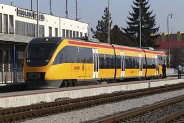 Do konca marca budú jazdiť žlté vlaky spoločnosti RegioJet za zvýhodnené ceny.