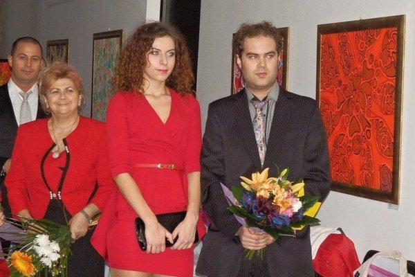 Miško Goroľ s priateľkou, mamou a bratom.