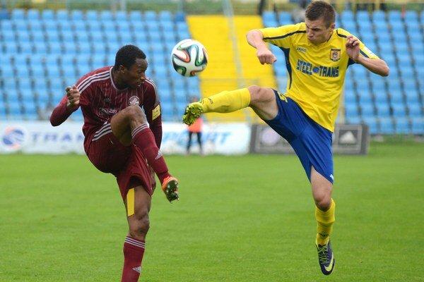 Bývalý hráč Košíc. Jozef Skvašík (vpravo) trénuje v Snine.