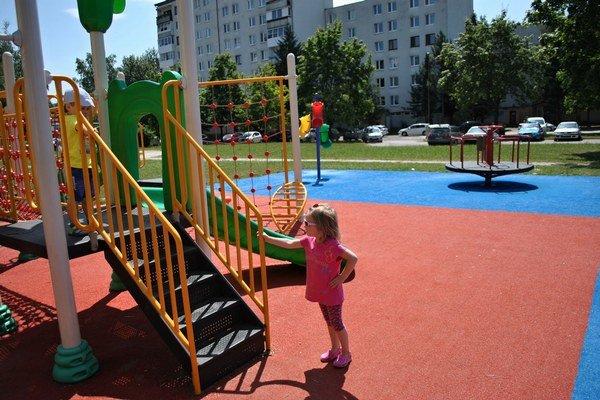 Za posledné 3 roky vyrástlo v Humennom 11 nových detských ihrísk.
