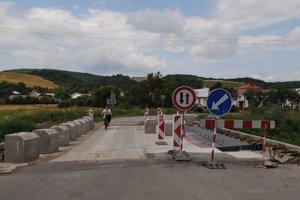 Most v Košarovciach by mal byť dokončený do konca júla.