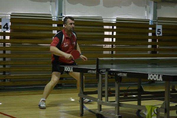 Stolný tenista Košaroviec Juraj Bučko. Napokon si vybojoval účasť vo finálovom turnaji v Prešove.
