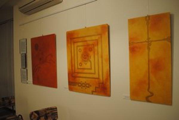 Duchovné obrazy. Autora ich maľovanie oduševňuje.