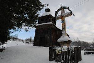 Národná kultúrna pamiatka - drevený chrám Nanebovzatia Pána v Šmigovci.