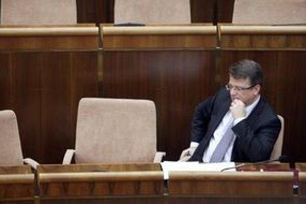 Minister Uhliarik.