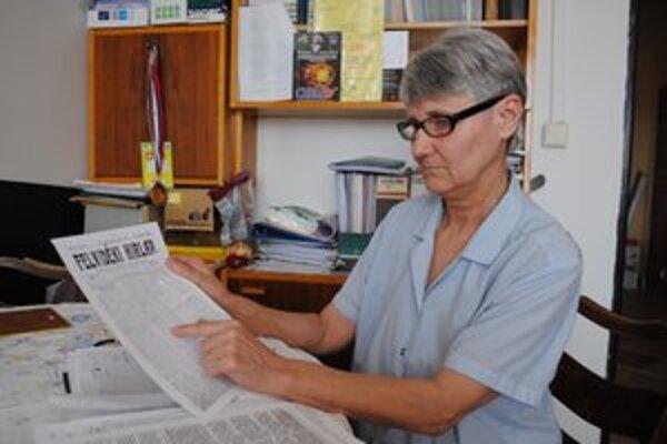 Valéria Csontosová. Správy o povodniach prečítala v dobových novinách.