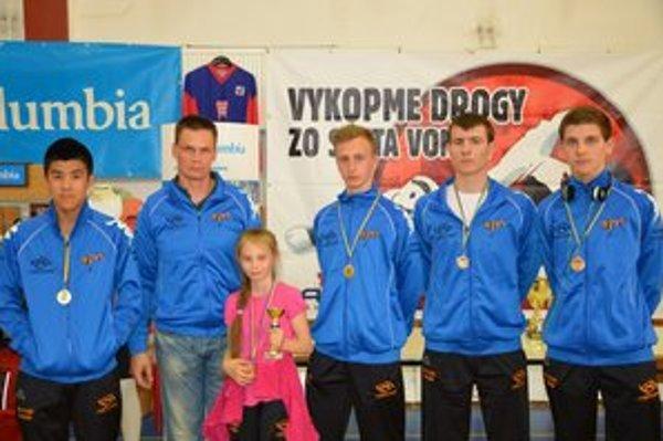 Taekwondo Humenné. Pätica zápasníkov získala päť medailí.