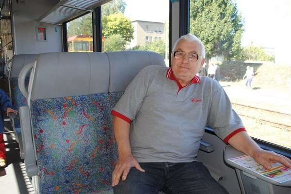 Andrej Gavula z Čabín. Na železnici odpracoval 37 rokov. Už 15 rokov je na dôchodku.