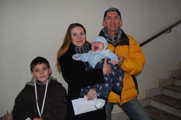 Nataša Jancurová so synmi Dávidom a Benjamínom Filipom a so svojím druhom.
