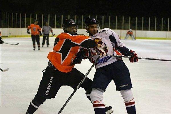Bude to boj. Dnes čaká hokejistov MHK Bemaco Humenné druhý zápas play-off. Na dubnickom ľade.