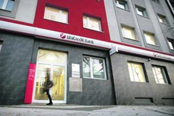 Na slovenskom trhu je UniCredit Bank podľa objemu aktív piatou najväčšou bankou.