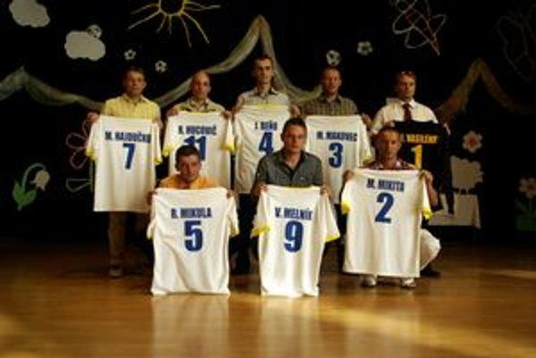 Jedenástka 2009/2010 napokon mala iba osem členov. Traja nedošli...