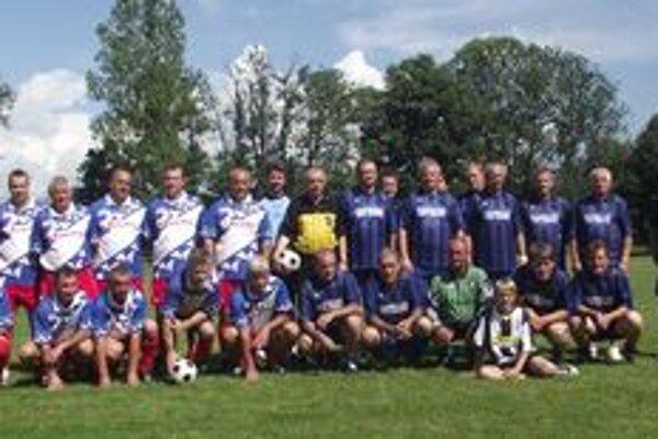 Páni futbalisti. Účastníci spomienkového zápasu.