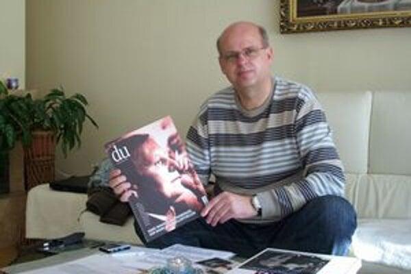 Fotograf Tomáš Leňo. Ani on ani Jozef Ondzik nemajú rusínske korene.
