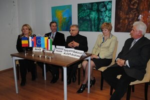 Na tlačovej besede. Projekt predstavil riaditeľ agentúry Poloniny Svätoslav Husťák.