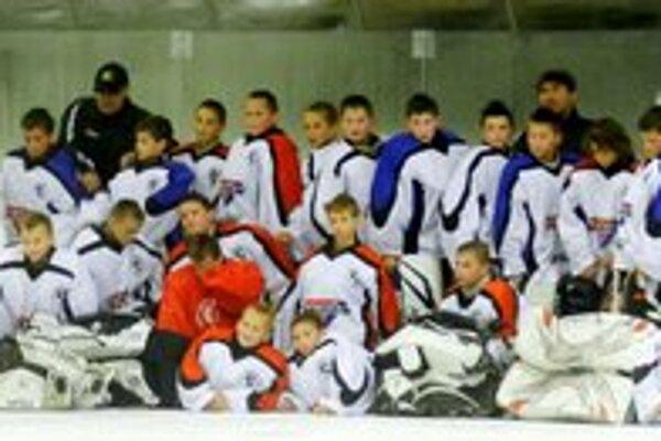 Hokejový kemp aj so sedemčlennou humenskou účasťou.